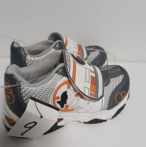 Brand New Disney STARWARS Boys Light Up Shoes 9/12